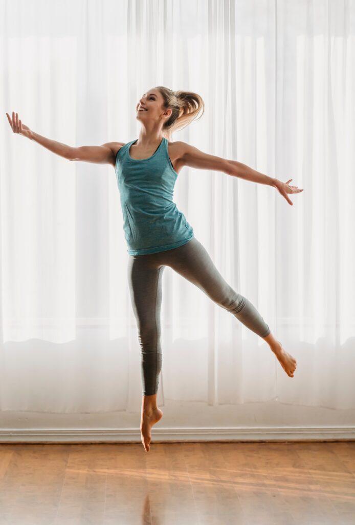 Frau bei Sportübung