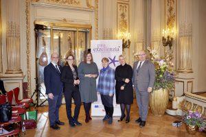 Die Zweite Bürgermeisterin und Senatorin Katharina Fegebank und Prof. Dr. Klaus Beckmann, Präsident der HSU/UniBw H, sowie weitere Gäste gratulierten zum Jubiläum.