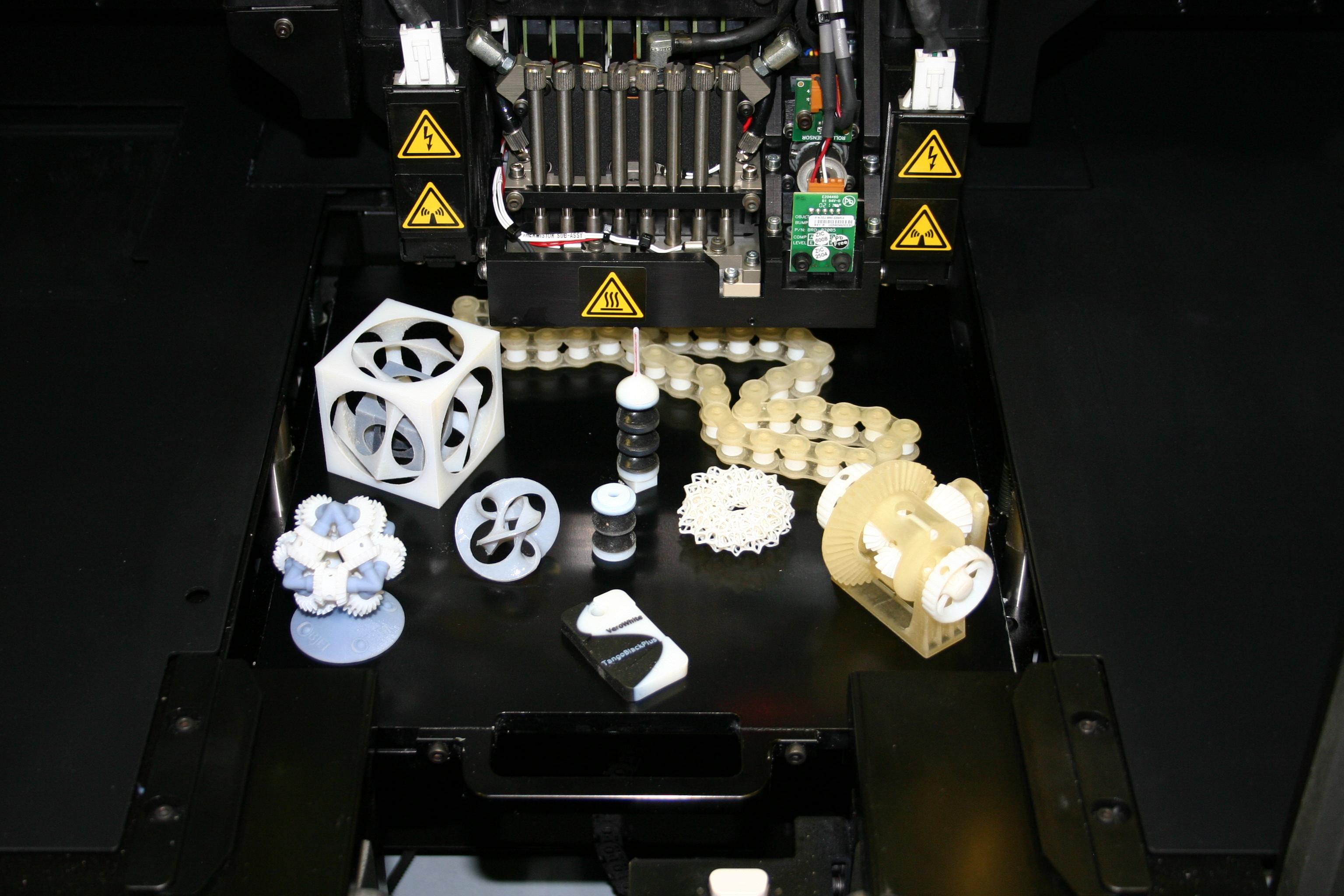 Rapid-Prototyping-Anlage mit Beispielhaften Objekten