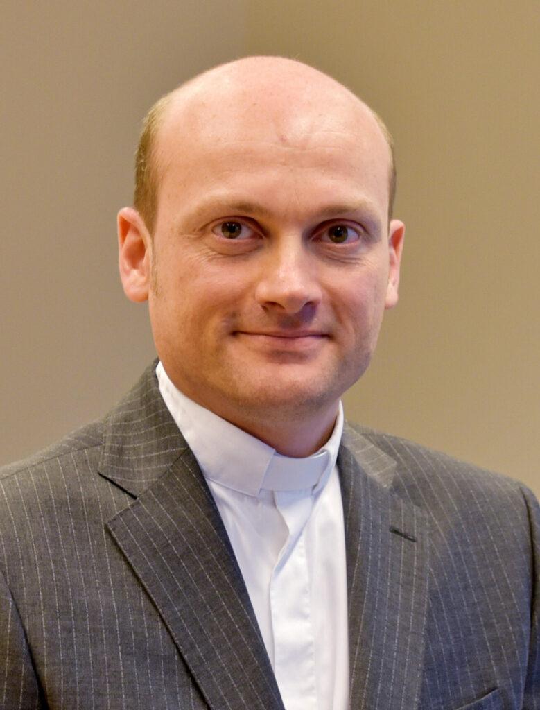 Dr. Marco Schrage
