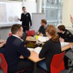 Studierende bei der Gruppenarbeit (Foto: Reinhard Scheiblich)