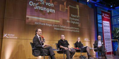 "#Horizonte17: Panel ""Dystopien des Digitalen"" mit Gary S. Schaal, Frank Rieger, Judith Simon und Christoph Kucklick. (Foto: Körber-Stiftung/Claudia Höhne)"