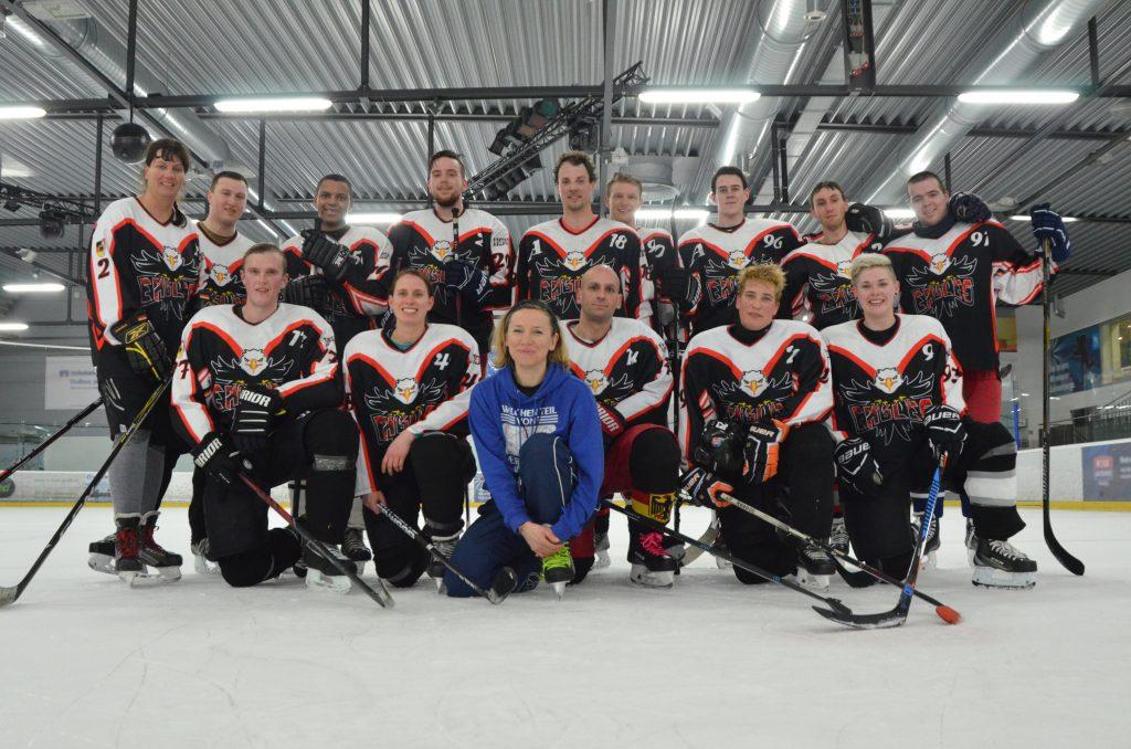 Mannschaftsfoto eines Eishockeyteams