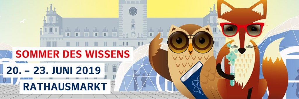 Grafik mir einer Eule und einem Fuchs vor dem Hamburger Rathaus und dem Text Sommer des Wissens, 20. - 23. Juni 2016, Rathausmarkt