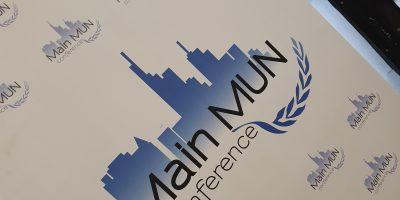 MUNs (Model United Nations) sind UNO-Planspiele, die Studierenden die Organisationsstrukturen und Entscheidungsprozesse der Vereinten Nationen nahebringen sollen.