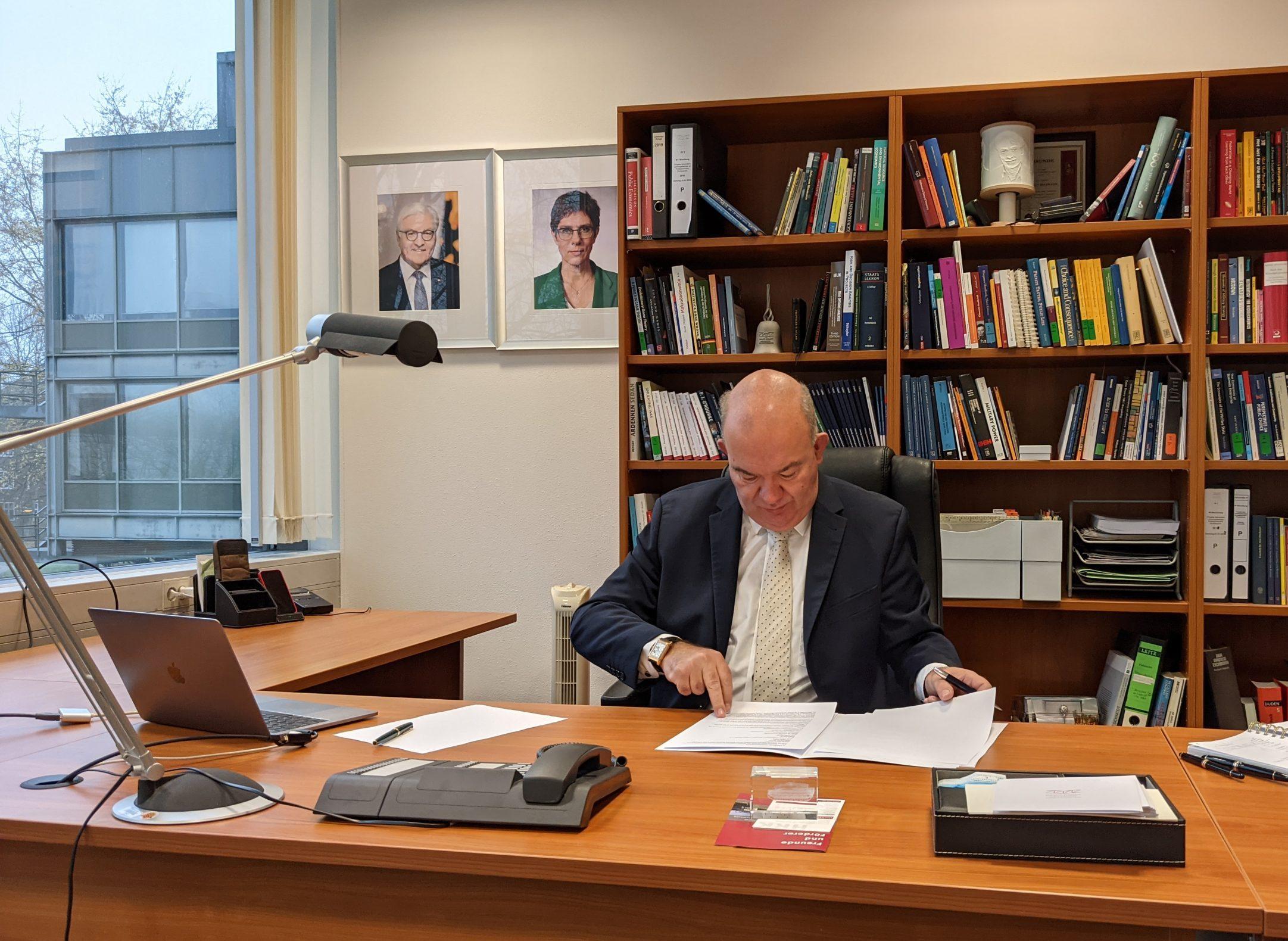 Helmut Schmidt Universität Bibliothek