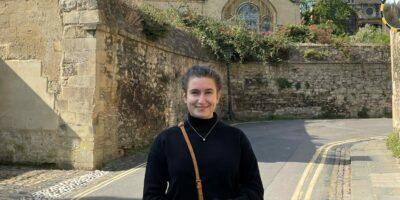 Anna Gräfin von Pestalozza erhält Rhodes-Stipendium und hat soeben ihr Masterstudium in Public Policy an der Oxford University begonnen.